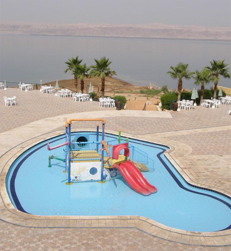 Swimmingpool für Kleinkinder am Dead Sea Spa Hotel