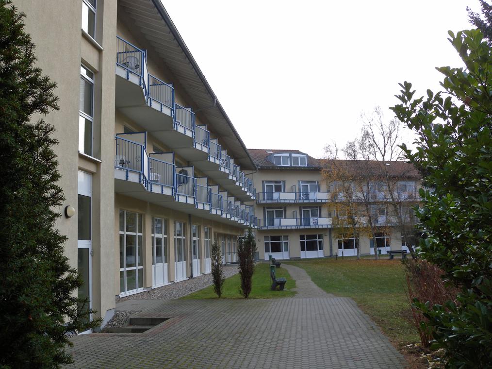 Hinteres Gebäude